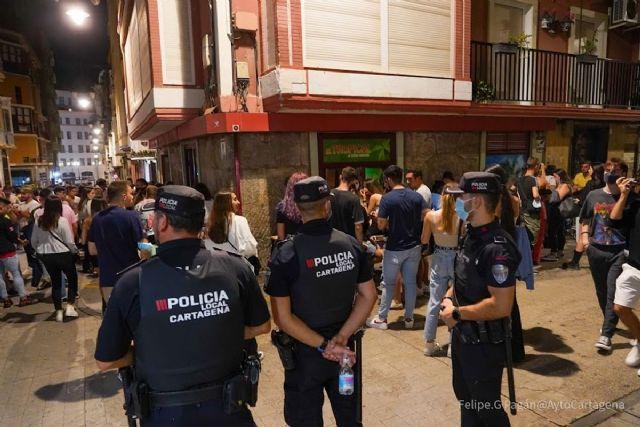 Policía Local interviene en un botellón ilegal con 600 jóvenes en Los Dolores - 1, Foto 1