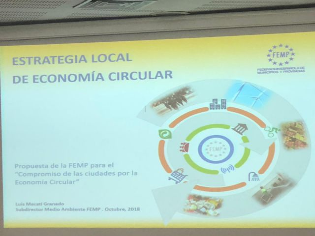 Public positions and municipal technicians of the Totana City Council participate in a Conference on Circular Economy at the local level, Foto 7