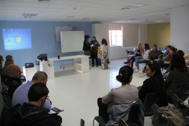 Profesionales socio sanitarios se forman para mejorar el trabajo en red ante casos de trastorno mental grave y drogodependencias - 1, Foto 1