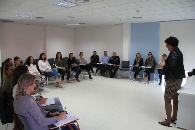 Profesionales socio sanitarios se forman para mejorar el trabajo en red ante casos de trastorno mental grave y drogodependencias - 2, Foto 2