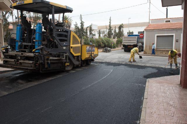 Renuevan asfaltado en calles de Mazarrón y acondicionan el recinto de los rincones - 1, Foto 1