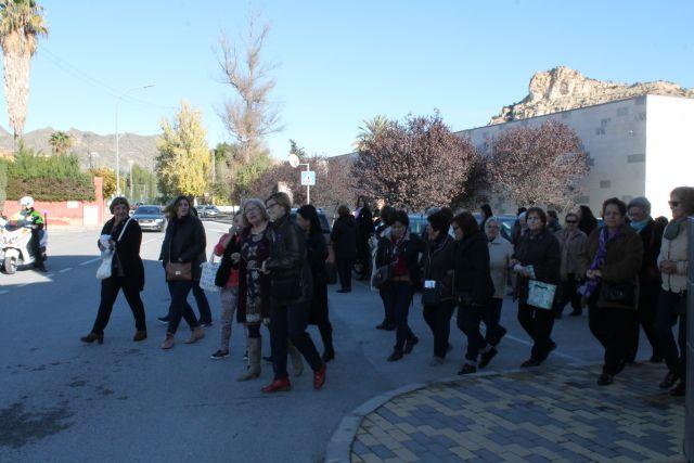 Un centenar de personas han acudido esta mañana a la Marcha Popular y a la Lectura del Manifiesto contra la Violencia de Género - 2, Foto 2