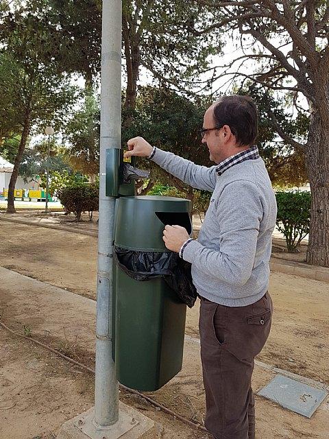 STV inicia la instalación de 50 papeleras con bolsas para excrementos caninos en todo el municipio - 1, Foto 1