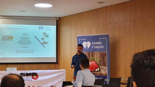 Raúl Luzón: La proteína consumida después del ejercicio proporciona aminoácidos esenciales para construir y reparar el tejido muscular - 1, Foto 1