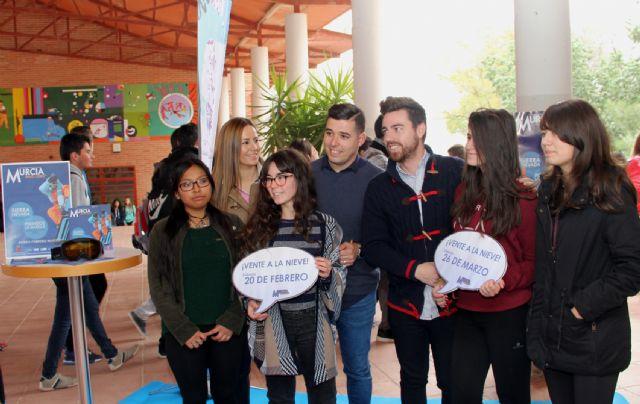 Presentan un nuevo programa de viajes a la nieve para jóvenes lumbrerenses - 2, Foto 2