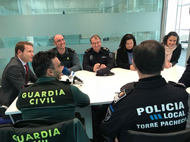 El Alcalde recibe al nuevo Capitán Jefe de la IV Compañía de la Guardia Civil, Manuel Gil Rozas - 1, Foto 1