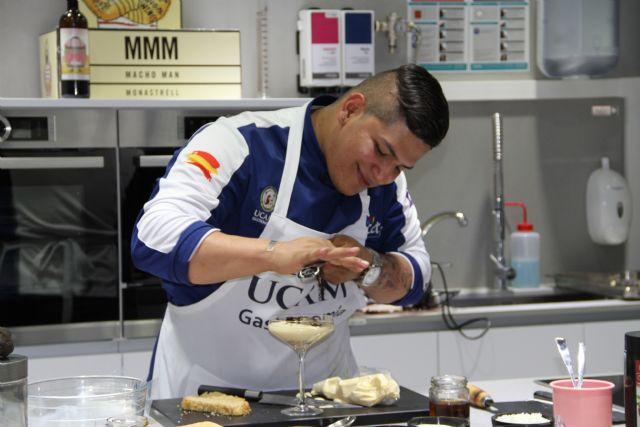 El chef Sebastián López ha realizado un showcooking sobre trufas en las instalaciones de la UCAM - 1, Foto 1