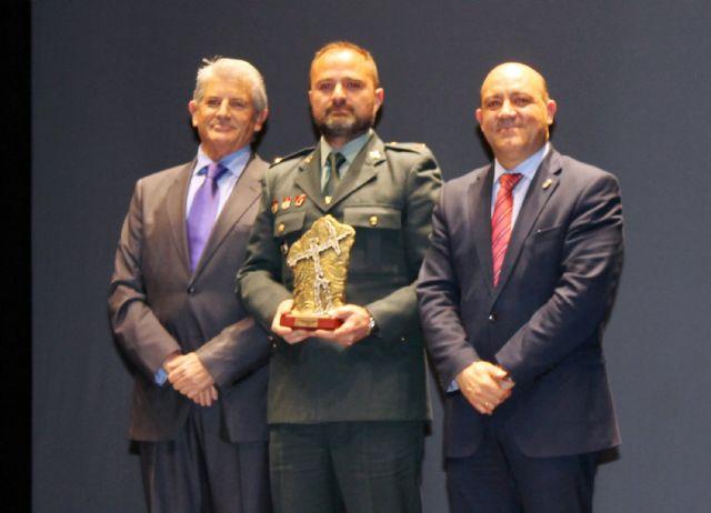 La Guardia Civil recibe el premio por la colaboración en la organización de eventos deportivos a lo largo de 2015 - 1, Foto 1