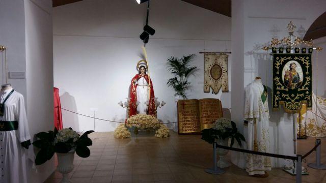 La Hermandad de San Juan Evangelista de Totana participa en una exposición en Alhama de Murcia, Foto 1