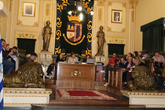 El pleno acuerda estudiar si el legado de Marín Padilla podría ubicarse en un centro frente a la ermita de San José - 1, Foto 1