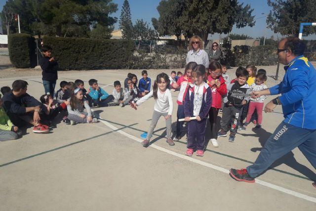 Programa ADE y CA Elcano acercan el atletismo a  alumnos del CEIP Luis Calandre - 1, Foto 1