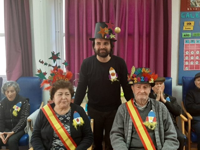 The Seniors Day Center celebrates its particular Carnival Party, with the proclamation of the carnival king and queen, Foto 3