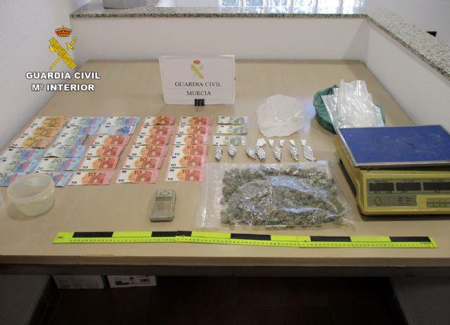 La Guardia Civil desmantela un activo punto de venta de drogas en San Javier - 3, Foto 3