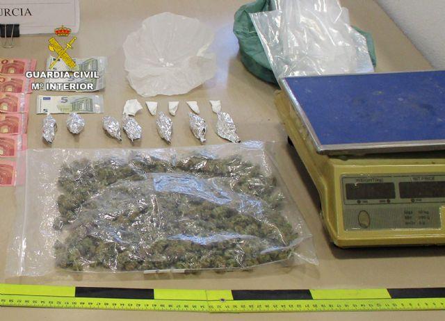 La Guardia Civil desmantela un activo punto de venta de drogas en San Javier - 4, Foto 4