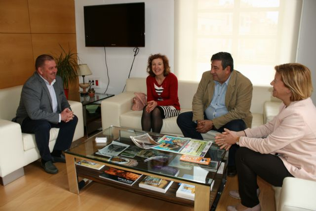 The mayor meets with directors of the Professional Association of Social Educators of the Region of Murcia
