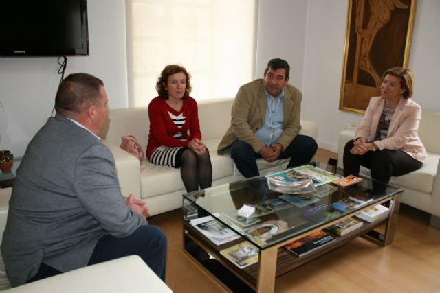 El alcalde se reúne con directivos del Colegio Profesionales de Educadores Sociales de la Región de Murcia - 3, Foto 3