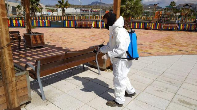 Servicios desinfecta la lonja de pescadores para extremar las medidas de higiene y seguridad - 4, Foto 4