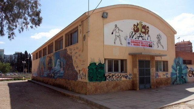 El Ayuntamiento de Lorca concede licencia de obras para la rehabilitación del gimnasio del Instituto 'José Ibáñez Martín' - 1, Foto 1