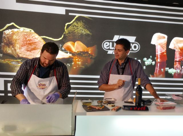 Showcooking de Sergio Fernández con ExtraTiernos en el stand de ElPozo Alimentación, Foto 1
