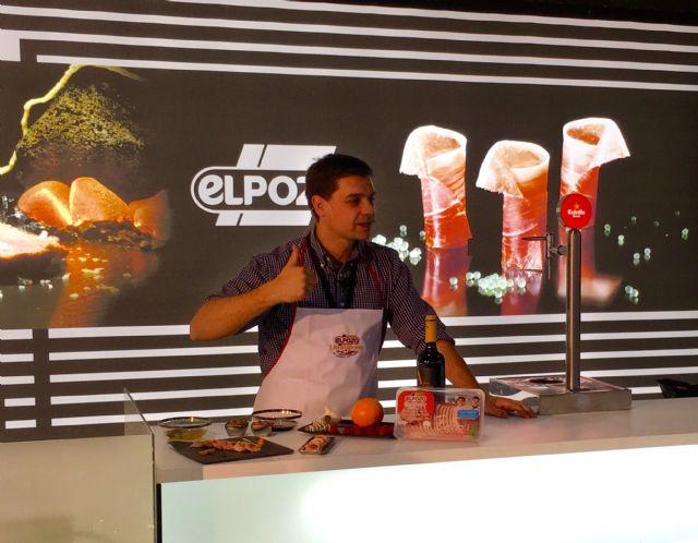Showcooking de Sergio Fernández con ExtraTiernos en el stand de ElPozo Alimentación, Foto 2