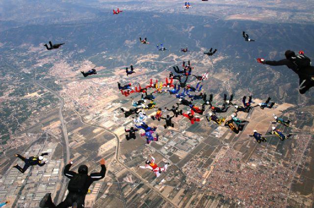 La Base Aérea de Alcantarilla intentará batir el récord nacional de grandes formaciones en caída libre - 1, Foto 1
