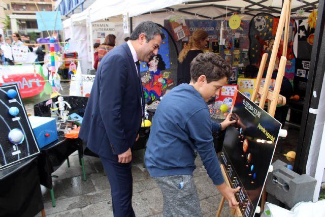 Desde ayer Alcantarilla disfruta de la I Feria Educativa AlcanEducaen la plaza Adolfo Suárez - 3, Foto 3