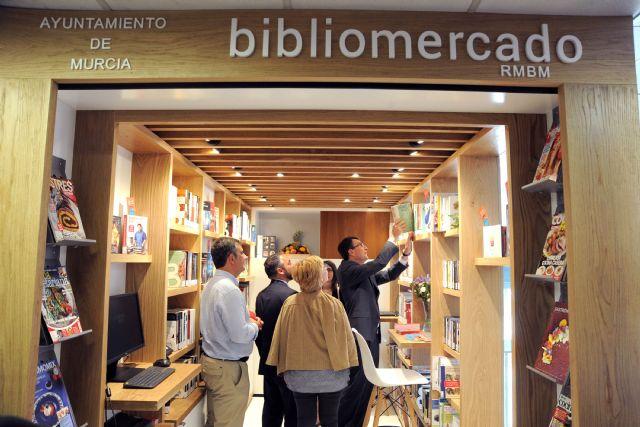 El primer Bibliomercado llega a la plaza de Saavedra Fajardo con libros temáticos sobre gastronomía y nutrición - 1, Foto 1