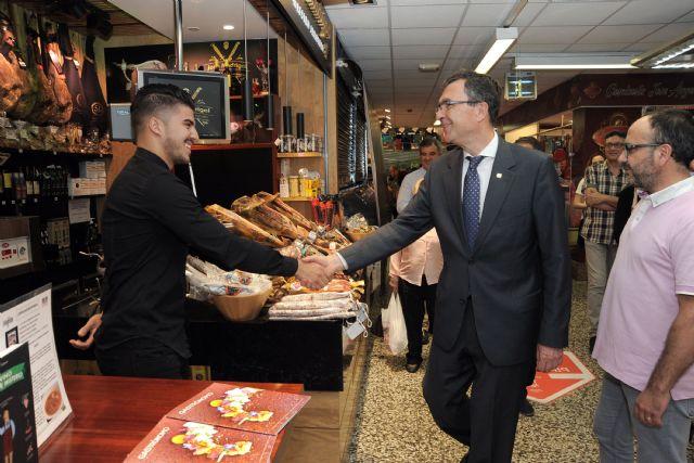 El primer Bibliomercado llega a la plaza de Saavedra Fajardo con libros temáticos sobre gastronomía y nutrición - 2, Foto 2