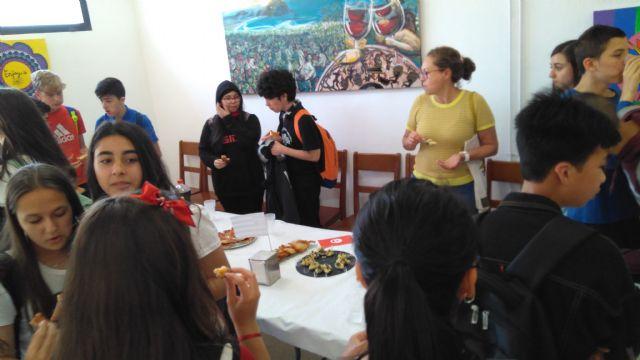 Alumnos y profesores elaboraron platos típicos de los países inmersos en el proyecto eTwinning - 2, Foto 2