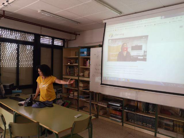 Alumnos y profesores elaboraron platos típicos de los países inmersos en el proyecto eTwinning - 3, Foto 3
