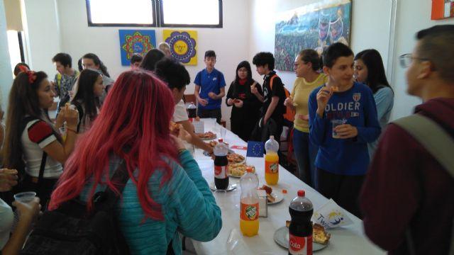 Alumnos y profesores elaboraron platos típicos de los países inmersos en el proyecto eTwinning - 4, Foto 4