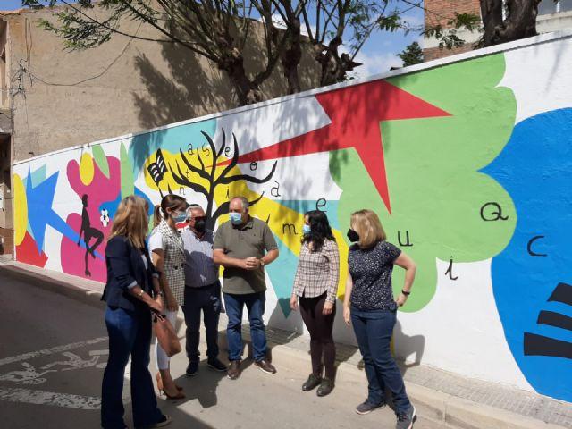 El CEIP Nuestra Señora de la Encarnación de La Raya estrena nuevo grafiti - 1, Foto 1