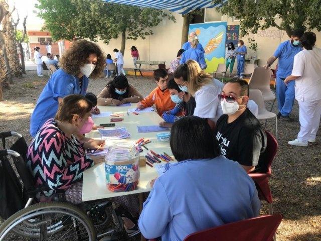 [Usuarios de los dos Centros de Día para la Discapacidad participan en las actividades programadas con motivo del Día Internacional del Juego
