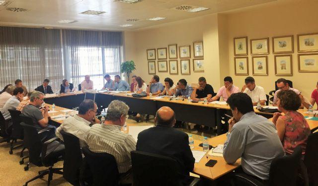 El Gobierno regional reúne en una mesa a todos los colectivos implicados en la Ley del Mar Menor - 1, Foto 1