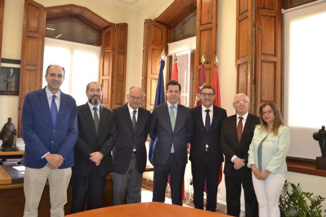 La UMU y el colegio de Registradores de la Propiedad firman un convenio para crear la cátedra de Derecho Registral - 1, Foto 1