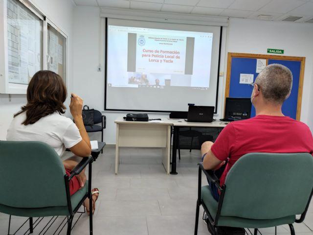 Agentes de la Policía Local participan en una jornada formativa destinada a los municipios que se han incorporado, este año, al sistema VIOGEN - 2, Foto 2