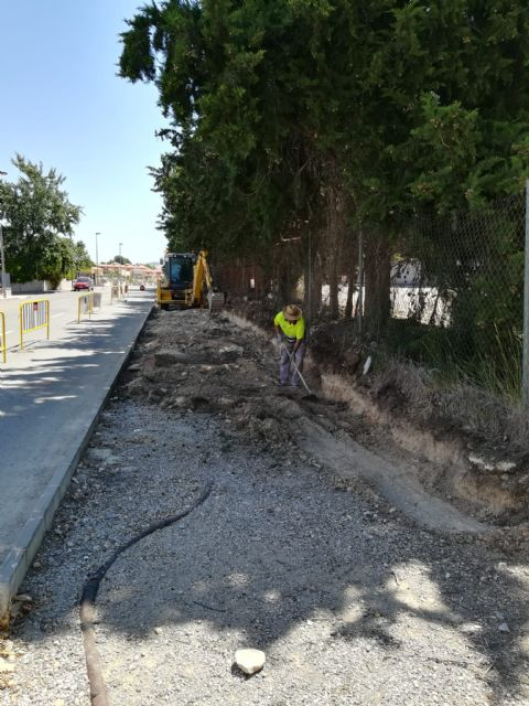 Muro de contención y construcción de aceras en la Calle Mariano Rojas - 1, Foto 1