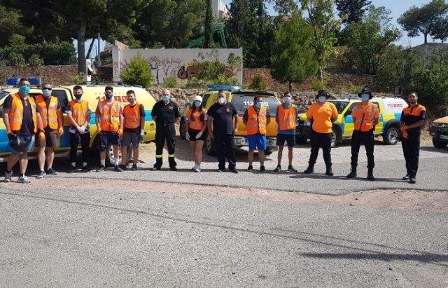 Protección Civil realiza una acción altruista de limpieza en la carretera de La Santa - 5, Foto 5