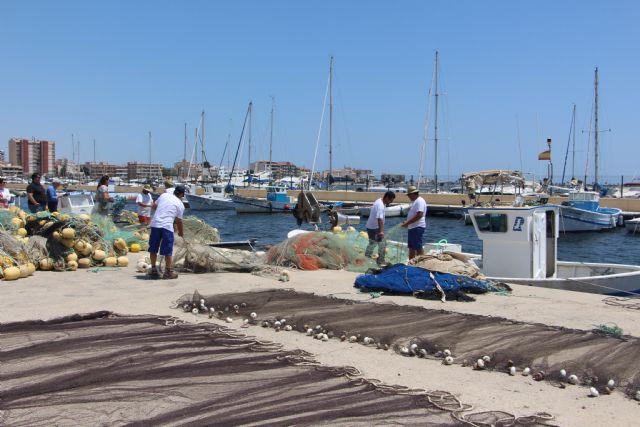 El Ayuntamiento otorga ayudas por valor de 40.000 euros a pescadores del municipio - 1, Foto 1