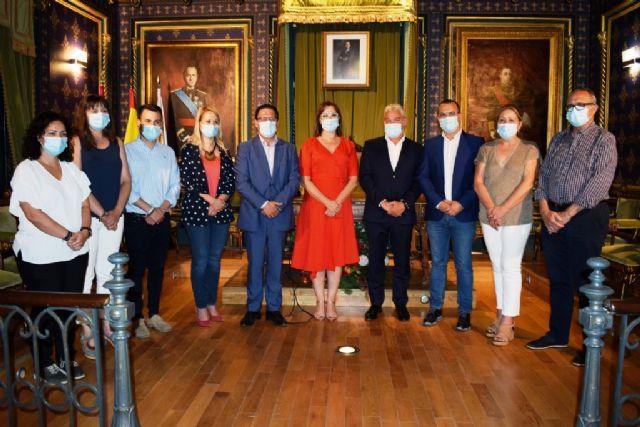 Ayuntamiento y Comunidad Autónoma trabajarán para coordinar y compartir la residencia ´El Peñasco´, Foto 1
