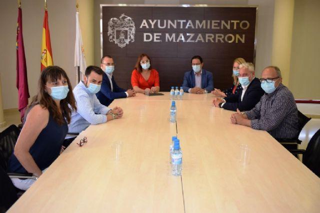 Ayuntamiento y Comunidad Autónoma trabajarán para coordinar y compartir la residencia ´El Peñasco´, Foto 2
