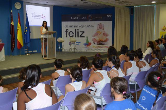 Almudena Cid, ex gimnasta olímpica, visita el colegio de San Pedro del Pinatar, New Castelar College - 1, Foto 1