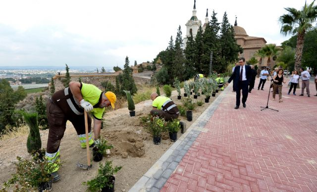 El Ayuntamiento pone a punto el Santuario de la Fuensanta con la construcción de un nuevo mirador de 1.000m2 - 2, Foto 2