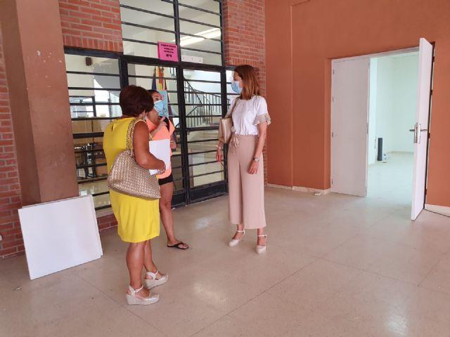 Las obras de mantenimiento y adaptación al protocolo sanitario por la COVID-19 marca el inicio del curso escolar - 2, Foto 2