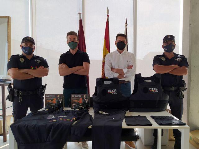 Policía Local de Blanca recibe nuevo material de autoprotección - 1, Foto 1