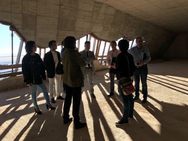 El Alcalde de Torre-Pacheco, muestra el edificio del futuro Museo de Paleoantología y de la Evolución Humana al Director General de Bienes Culturales - 1, Foto 1