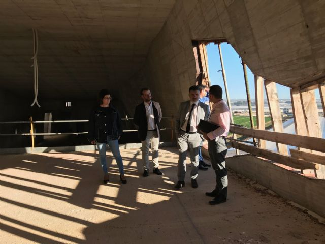 El Alcalde de Torre-Pacheco, muestra el edificio del futuro Museo de Paleoantología y de la Evolución Humana al Director General de Bienes Culturales - 5, Foto 5