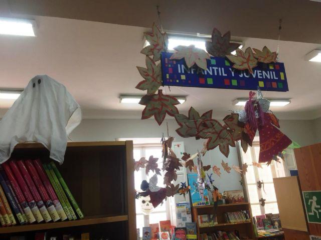 La Biblioteca Municipal Mateo García se prepara para la festividad de Halloween 2018 - 2, Foto 2
