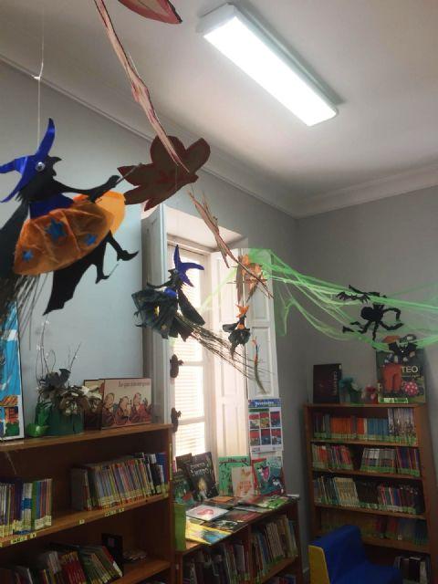 La Biblioteca Municipal Mateo García se prepara para la festividad de Halloween 2018 - 4, Foto 4
