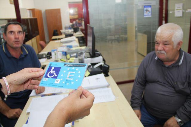 Reducen el tiempo de espera para obtener la tarjeta de estacionamiento de personas con discapacidad en Puerto Lumbreras - 1, Foto 1